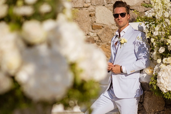 impressive-wedding-white-flowers-mykonos_11