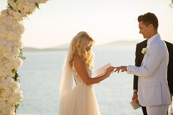 impressive-wedding-white-flowers-mykonos_15