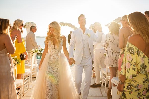 impressive-wedding-white-flowers-mykonos_17