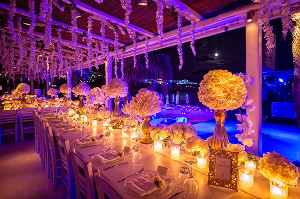 impressive-wedding-white-flowers-mykonos_22