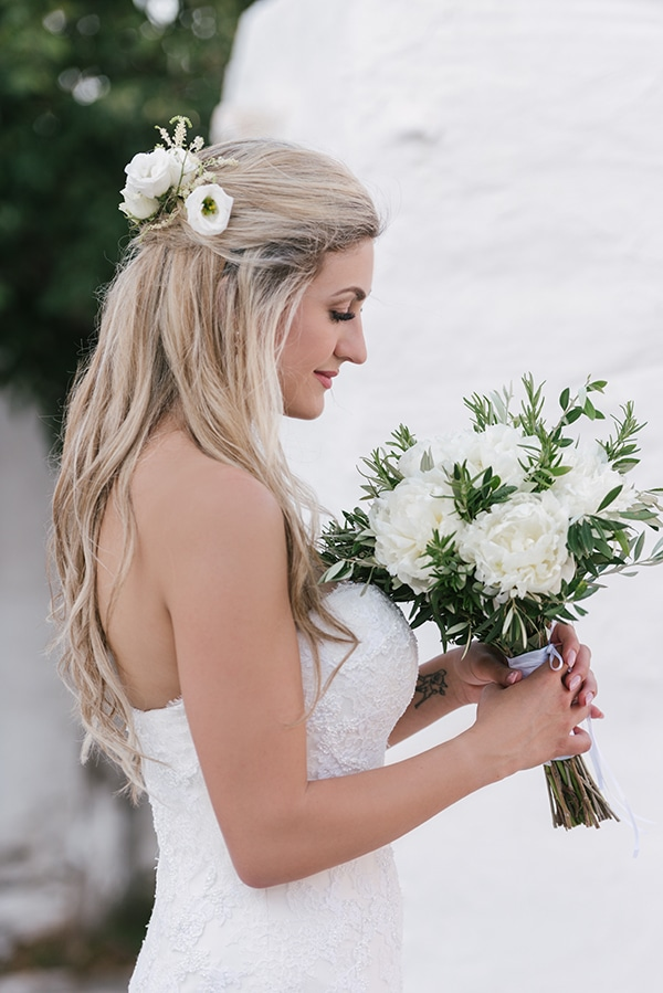romantic-wedding-island-white-flowers_02