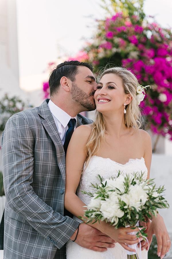 romantic-wedding-island-white-flowers_03