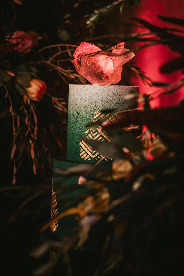 beautiful-shoot-burgundy-emerald-green-hues_11
