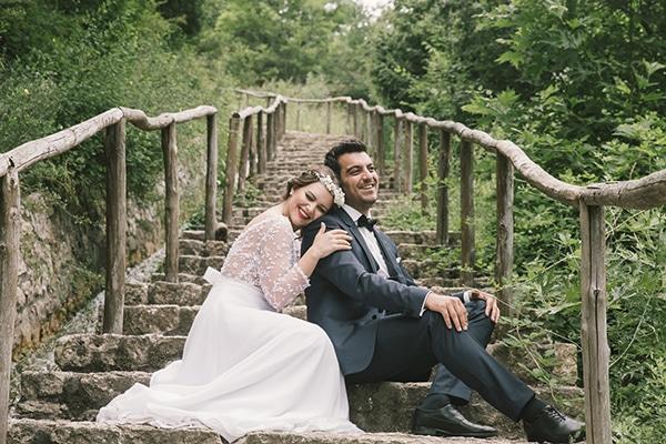 Ρομαντικός γάμος με λευκές παιώνιες   Νατάσα & Παναγιώτης