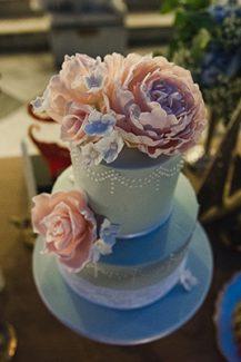Δυώροφη τούρτα γάμου