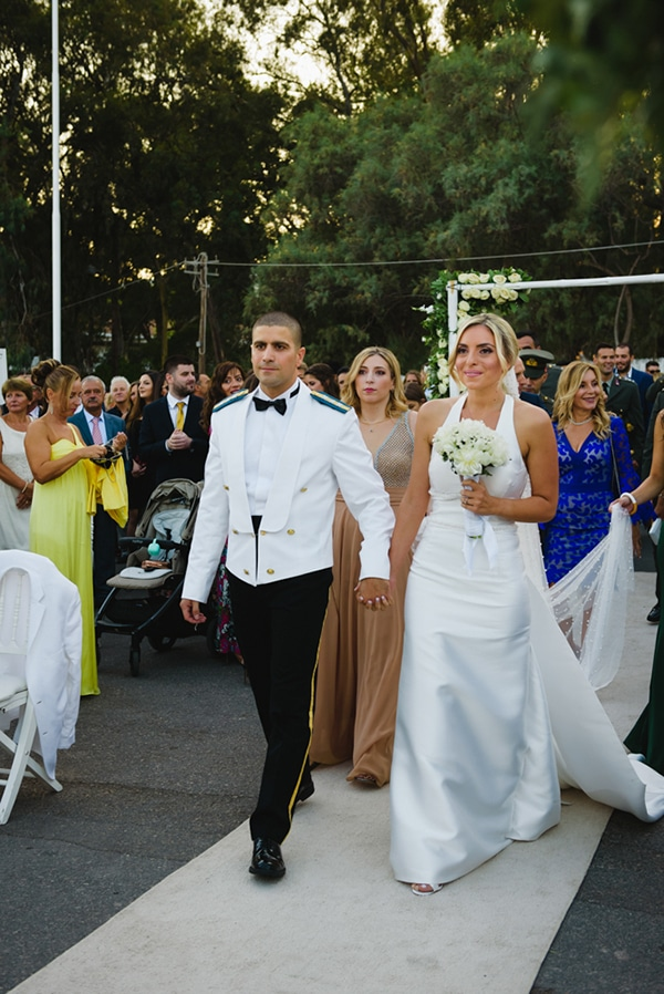 beautiful-elegant-wedding-gold-white-hues_16