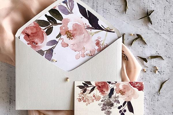 Πανέμορφα προσκλητήρια με lined envelopes