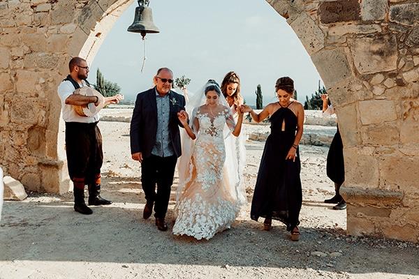 beautiful-rustic-summer-wedding-paphos_32