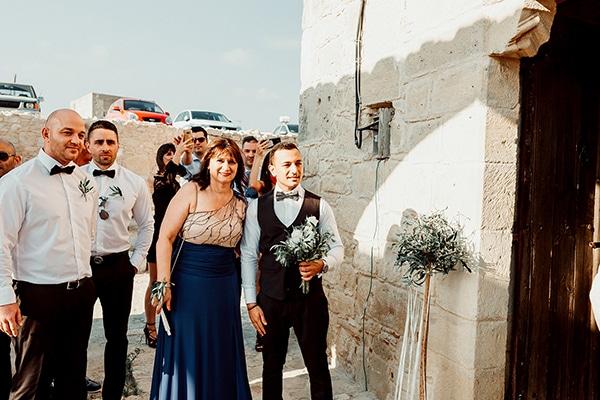 beautiful-rustic-summer-wedding-paphos_33