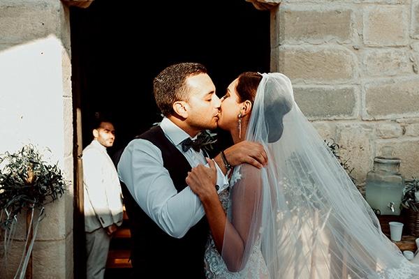beautiful-rustic-summer-wedding-paphos_35