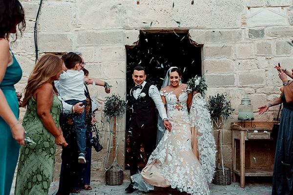 beautiful-rustic-summer-wedding-paphos_47