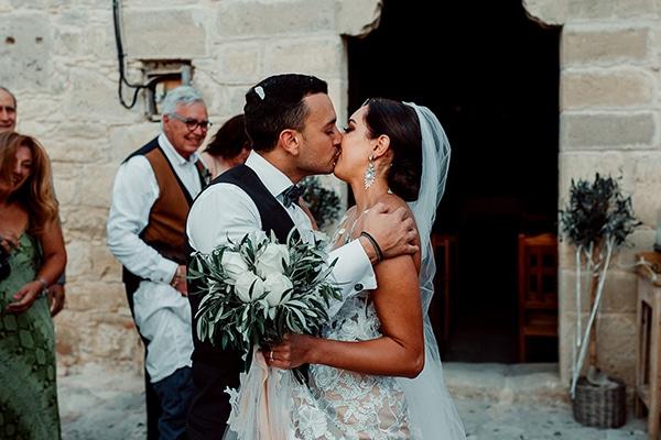 beautiful-rustic-summer-wedding-paphos_50