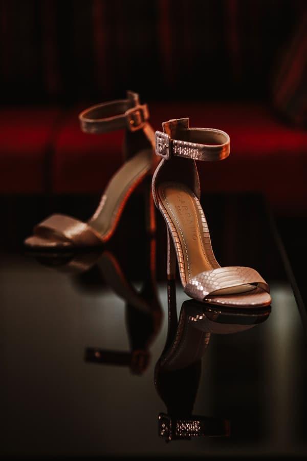 Νυφικά παπούτσια σε ροζ gold χρώμα