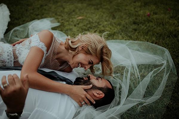 romantic-summer-cyprus-wedding_03x
