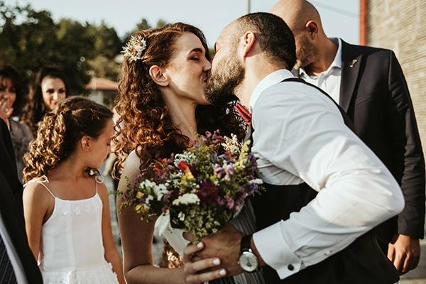 Παραδοσιακός γάμος με rustic λεπτομέρειες