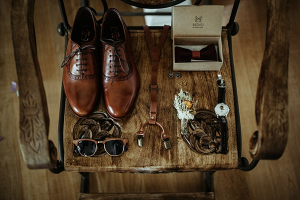 traditional-wedding-rustic-details_10x