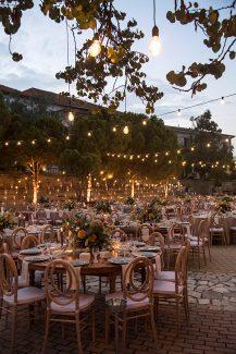 Ρομαντικη διακοσμηση χωρου με fairy lights