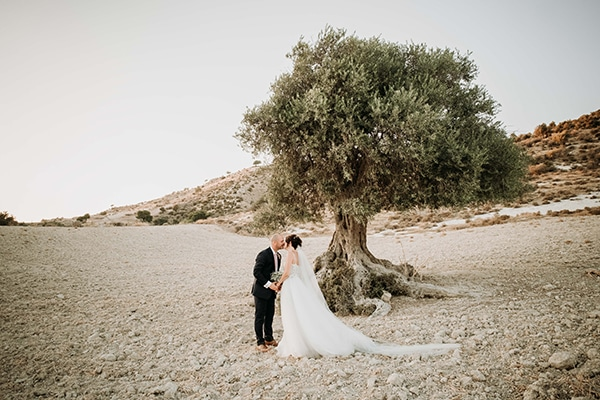 vintage-rustic-wedding-neutral-colors_24