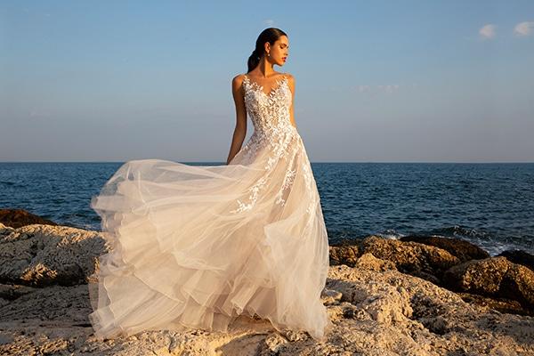 Υπέροχες νυφικές δημιουργίες για μια αξέχαστη εμφάνιση | Demetrios Bridal
