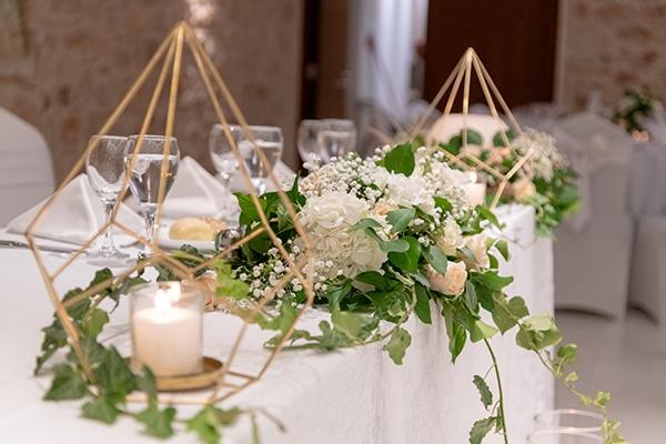 Ομορφες ιδεες με ανθοσυνθεσεις για τη διακοσμηση του γαμου σας