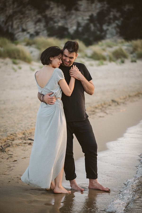 beautiful-prewedding-shoot-beach_12