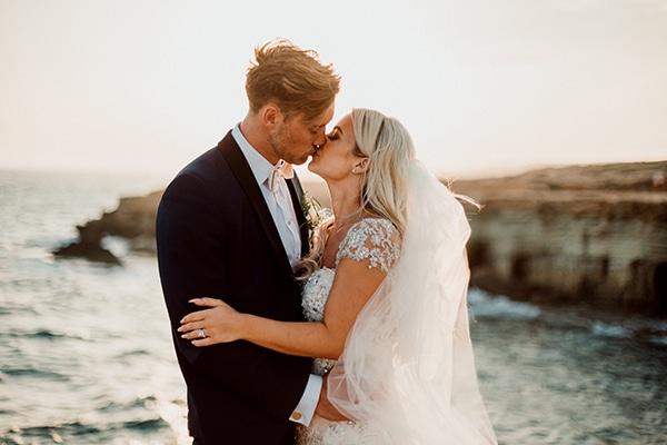 beautiful-romantic-wedding-white-hues-cyprus_03