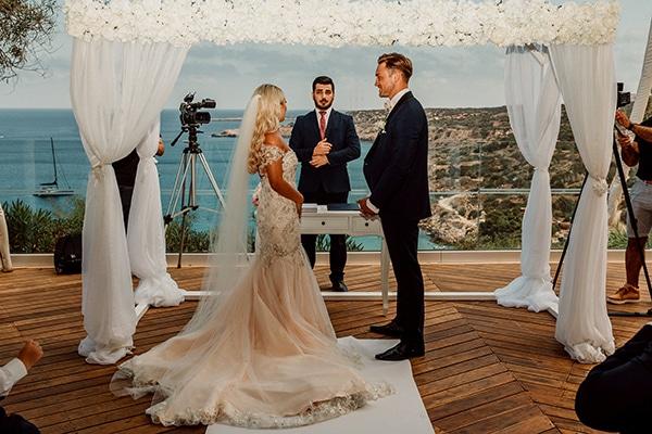 beautiful-romantic-wedding-white-hues-cyprus_32