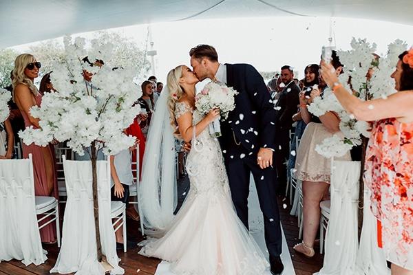 beautiful-romantic-wedding-white-hues-cyprus_40