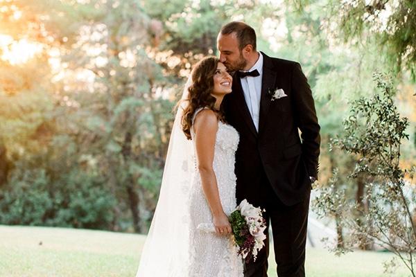 Elegant γάμος με λευκές, χρυσές και μαύρες λεπτομέρειες | Μαρία & Χάρης