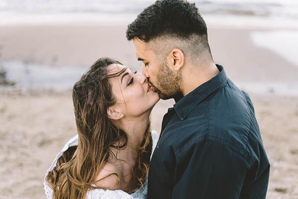 prewedding-romantic-beach-shoot_02X