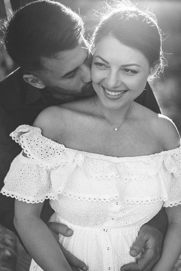 prewedding-romantic-beach-shoot_05x