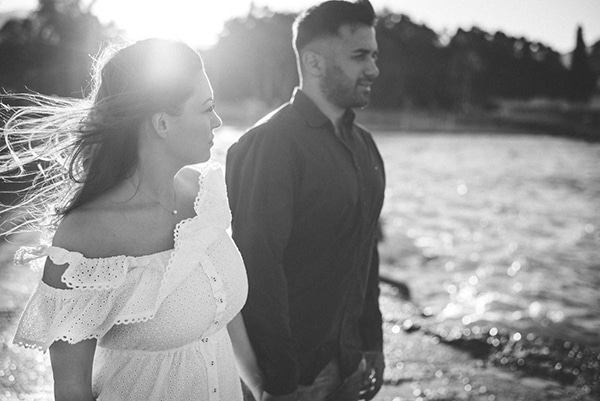 prewedding-romantic-beach-shoot_08x