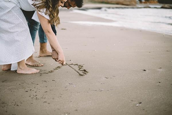 prewedding-romantic-beach-shoot_10
