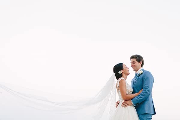 Υπέροχος ρουστίκ γάμος σε nude αποχρώσεις
