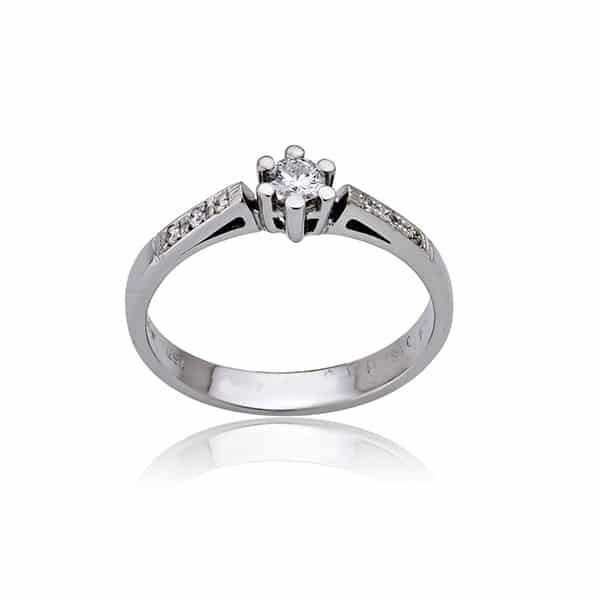 wonderful-engagement-rings_04