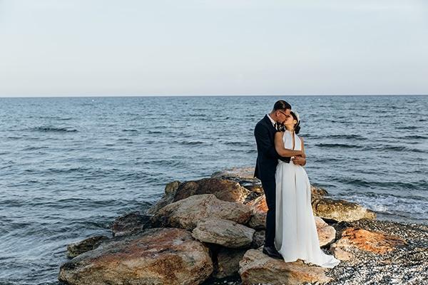 beautiful-beach-wedding-white-green-hues_01
