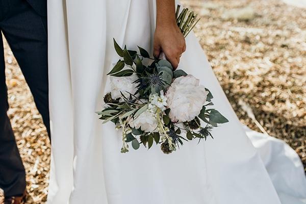 beautiful-beach-wedding-white-green-hues_02x