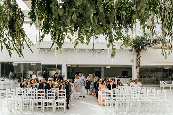 beautiful-beach-wedding-white-green-hues_23