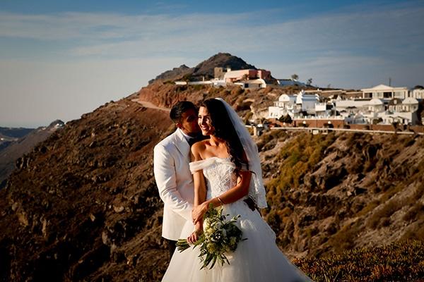 Πανέμορφος ρομαντικός γάμος στην Σαντορίνη