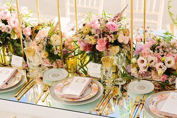 Pink wedding centerpieces we love