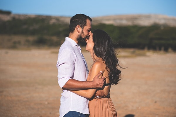 romantic-prewedding-photoshoot-skyros_08x