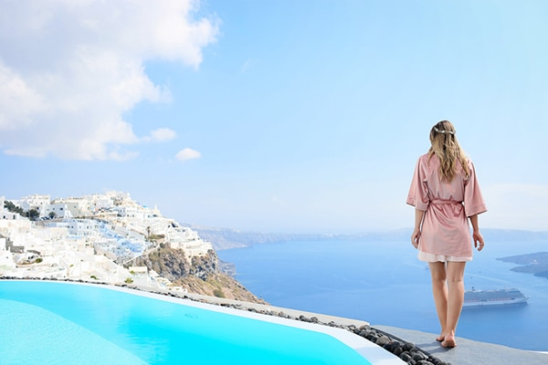 romantic-summer-wedding-idyllic-santorini_06