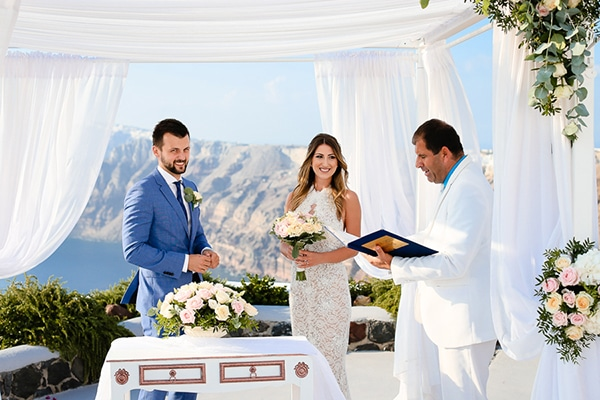 romantic-summer-wedding-idyllic-santorini_16