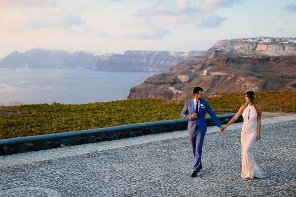 romantic-summer-wedding-idyllic-santorini_28