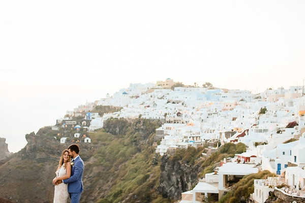 romantic-summer-wedding-idyllic-santorini_30