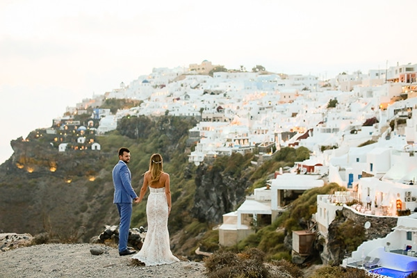 romantic-summer-wedding-idyllic-santorini_31