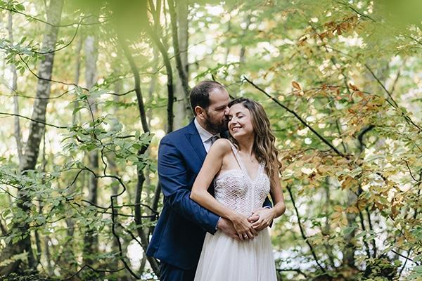 Ρομαντικος γαμος στο Πηλιο σε λευκες και peach αποχωσεις | Μαρινα & Νικος