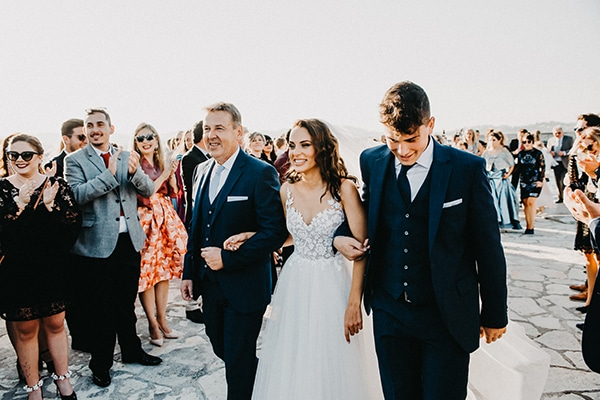 gorgeous-fall-wedding-corfu-blue-white-details_09