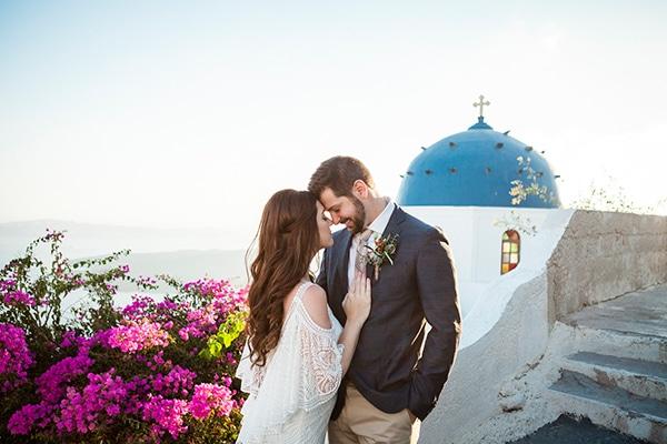 Ρομαντικός γάμος με φόντο την μαγευτική Σαντορίνη