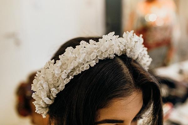 Πανεμορφο νυφικο στεφανακι για τα μαλλια